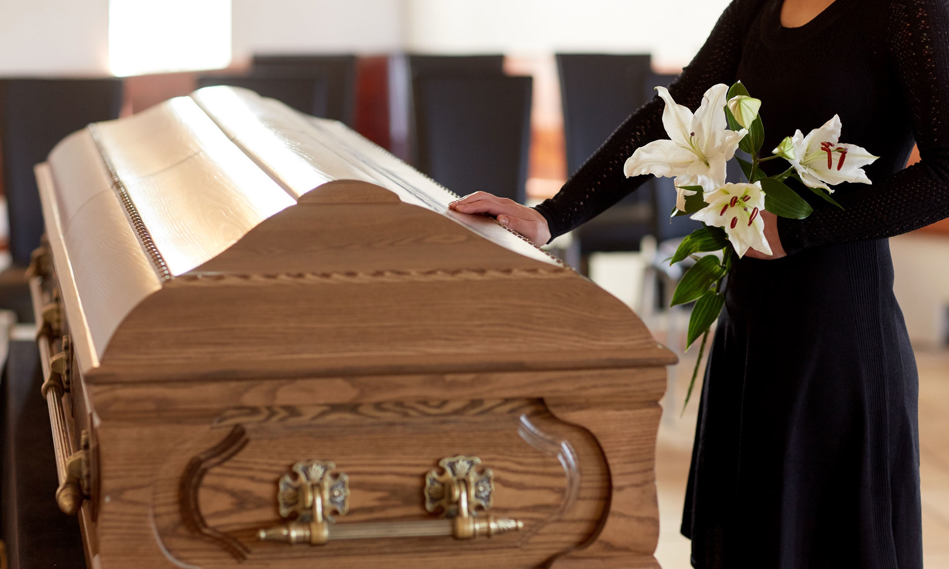 抓包偷吃!聰明正宮幫男友「辦假葬禮」 小三每年哀悼:一生的摯愛