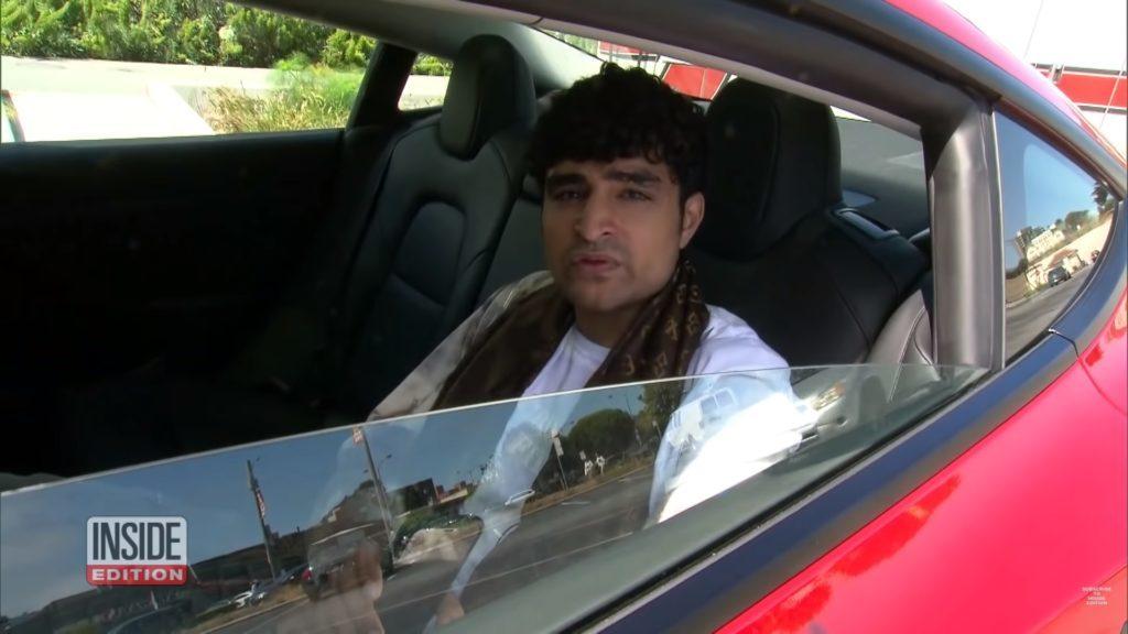 路上驚見「駕駛座沒人」高速飆車!男爽坐「特斯拉後座」嗆:比較安全