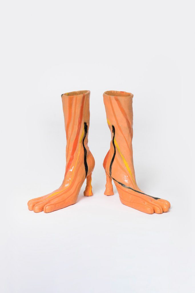 潮出宇宙!超獵奇「蛙蹼高跟鞋」一雙天價 「外星人長靴」上架就搶光
