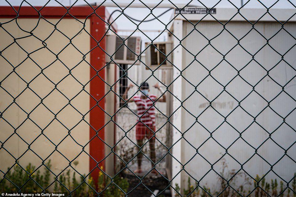 靠「綁寶特瓶」漂到西班牙!摩洛哥男孩上岸被抓哭崩:寧死不回