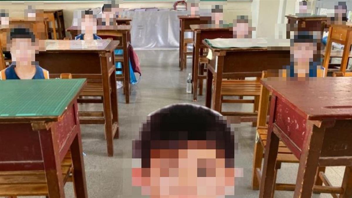 遠距授課...驚見「學生」全都在教室!家長細看笑噴