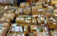 網購包裹堆成山 物流人員心死:上班12小時都送不完...