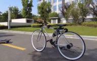 騎車雷殘好氣!天才少年打造「不會摔倒腳踏車」 自動駕駛超吸睛!