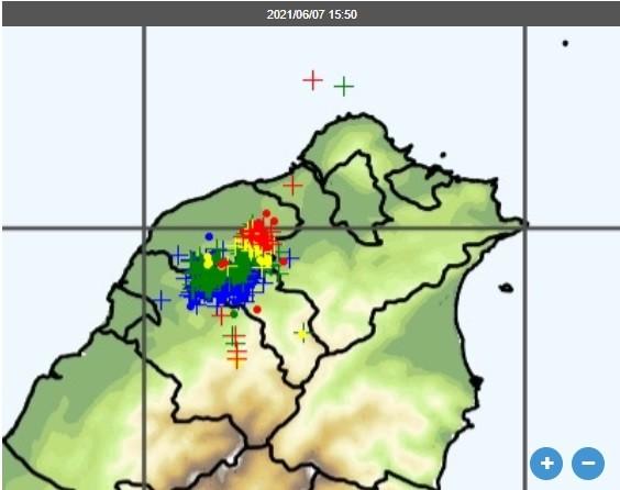 槍砲聲?雙北地區傳「驚天巨響」玻璃都在震 氣象局回應了