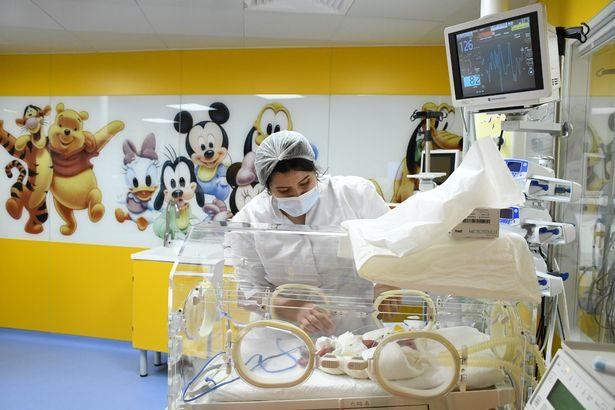 破紀錄!孕婦以為「懷6胞胎」 剖腹產「校正回歸」生下10寶寶