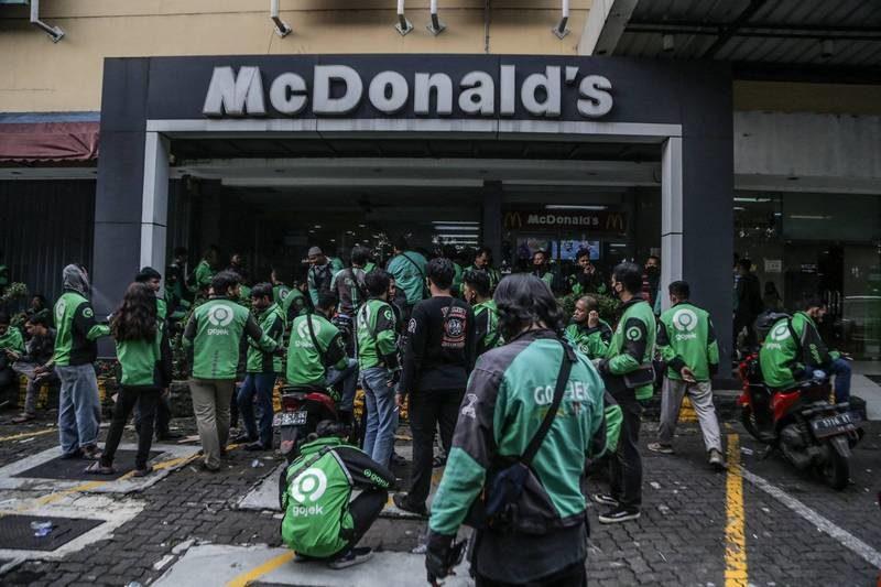 迷妹暴動!瘋搶BTS聯名套餐 印尼「麥當勞擠爆」緊急關閉13家