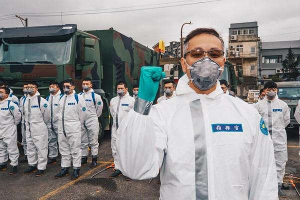 化學兵守護台灣!指揮官25天沒回家「錯過妻生產」哽咽:對不起家人