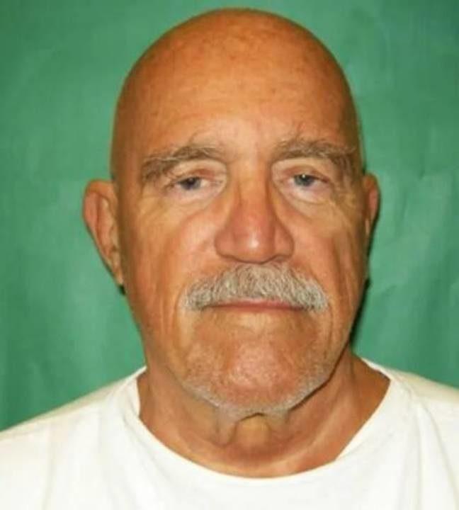水槍搶劫坐牢40年
