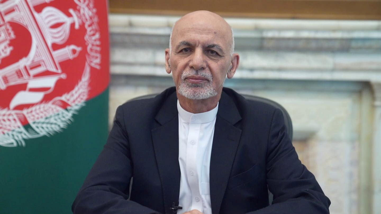 阿富汗總統捲款逃亡