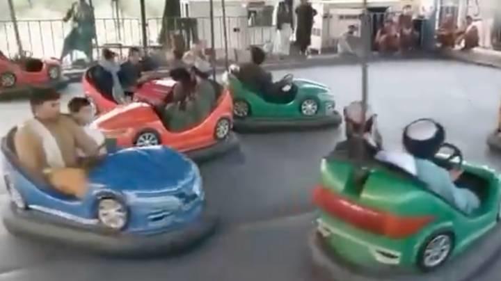 塔利班開碰碰車
