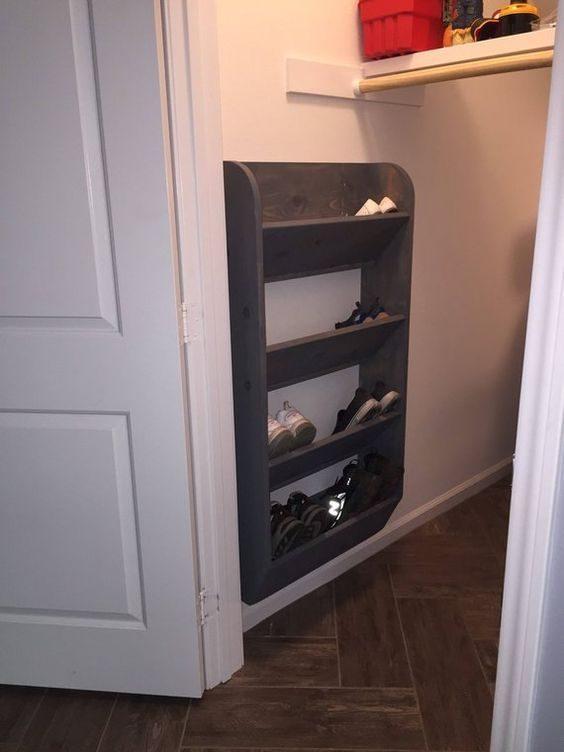女友房門放男鞋